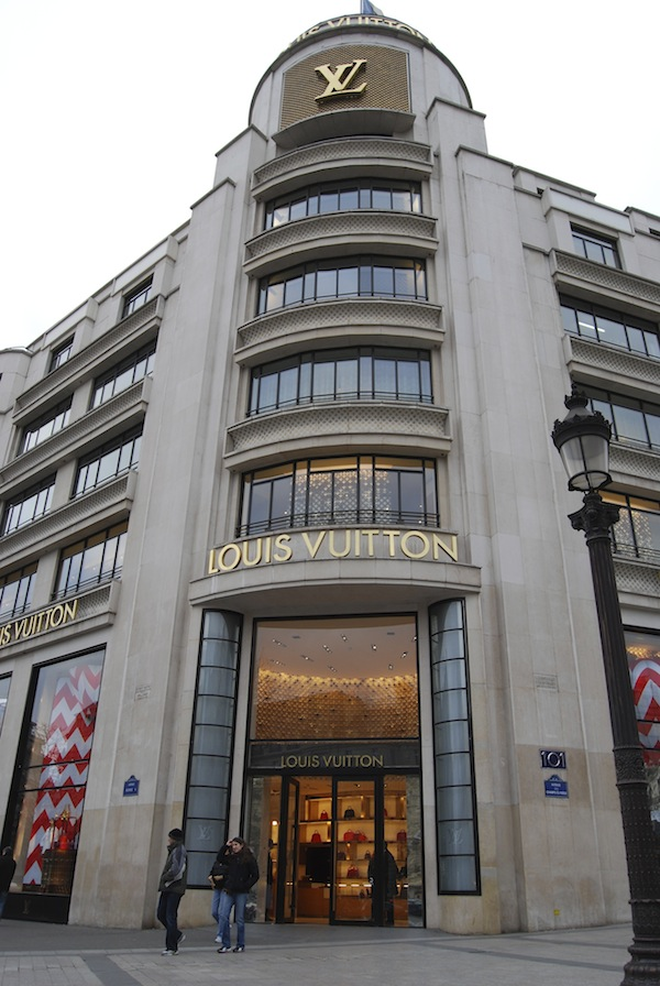 Louis-Vuitton-champs-elysees-Paris