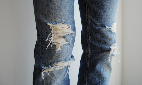 ripped-jeans