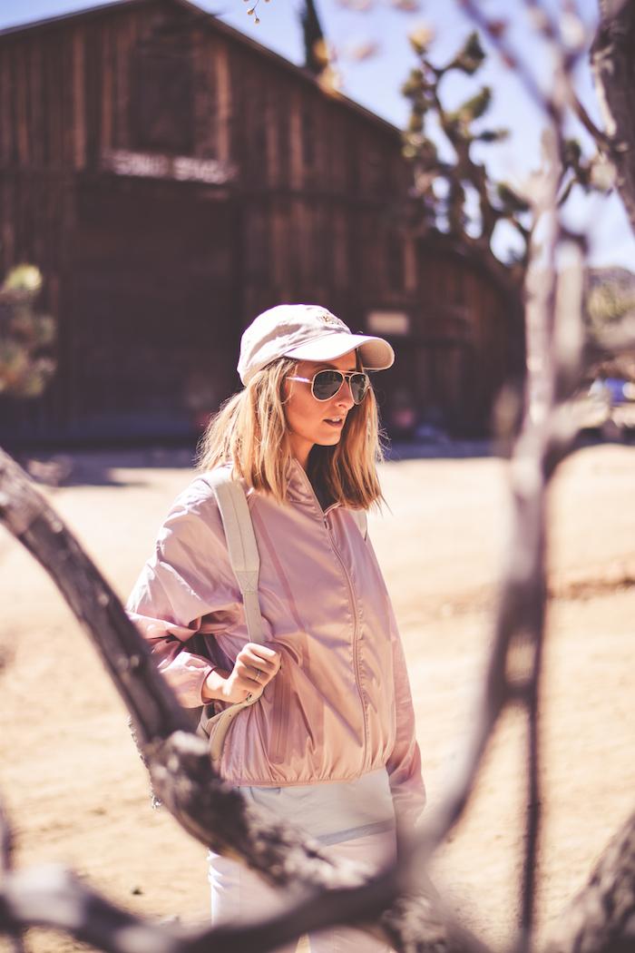 justine iaboni palm springs desert travel blogger