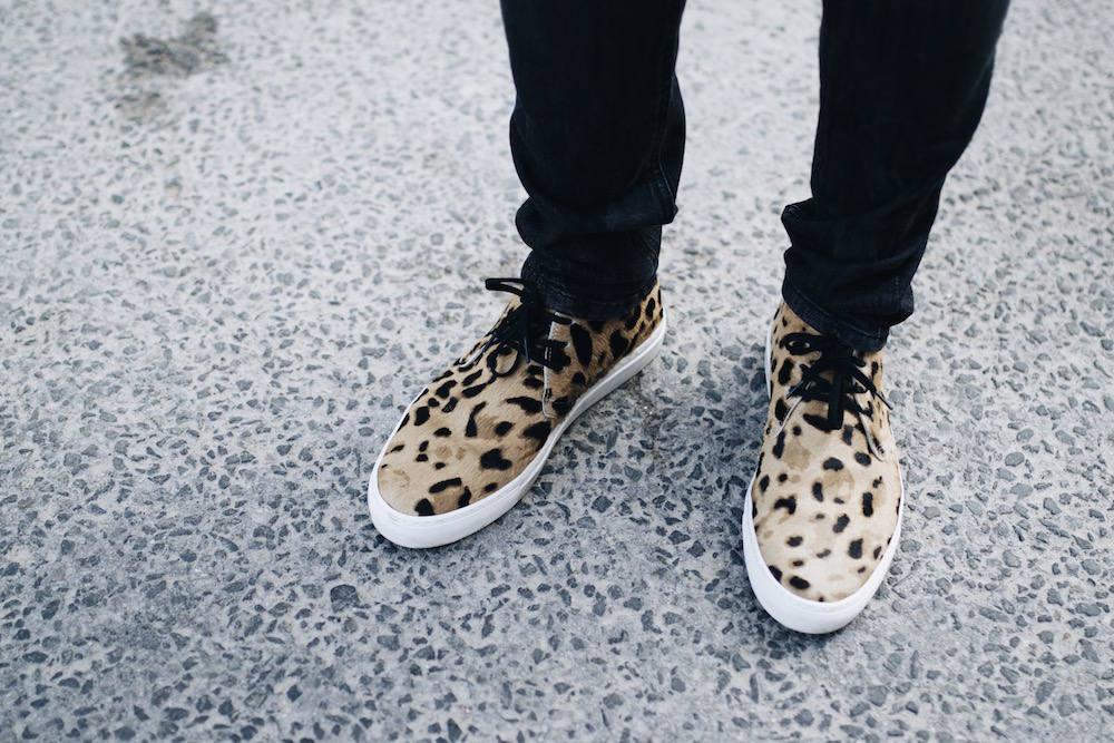 axel arigato leopard chukka