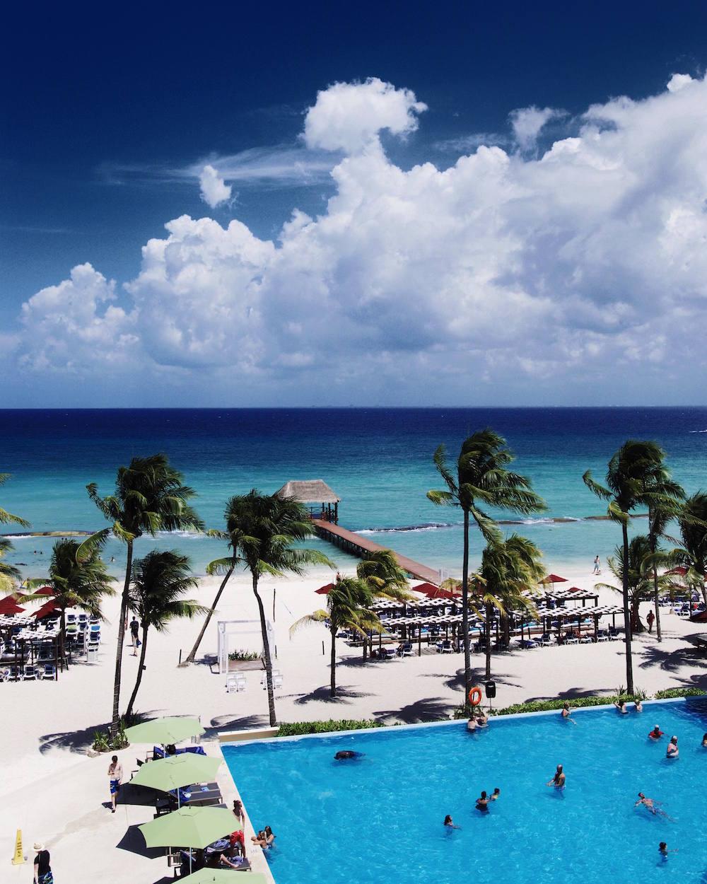 azul fives infinity pool beach