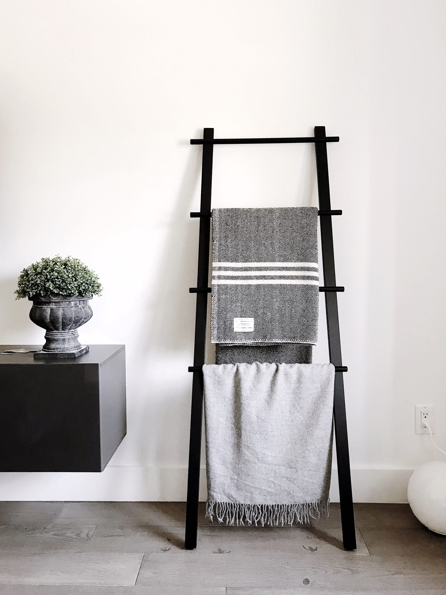 Home Inspired: Blanket Ladders